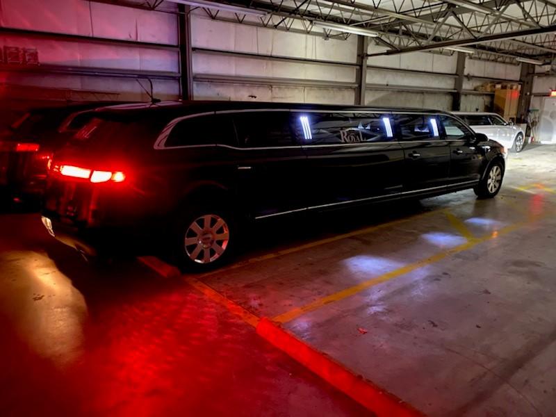 black Lincoln MKX limo in Daytona Beach