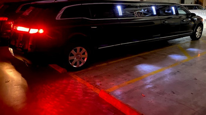 Black Lincoln Limousine Rental